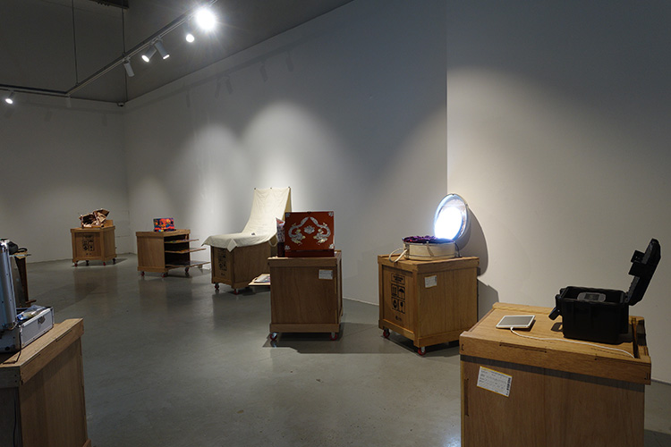 Installation View: Halo Box @ Incheon Art Platform, photo by Earl Park